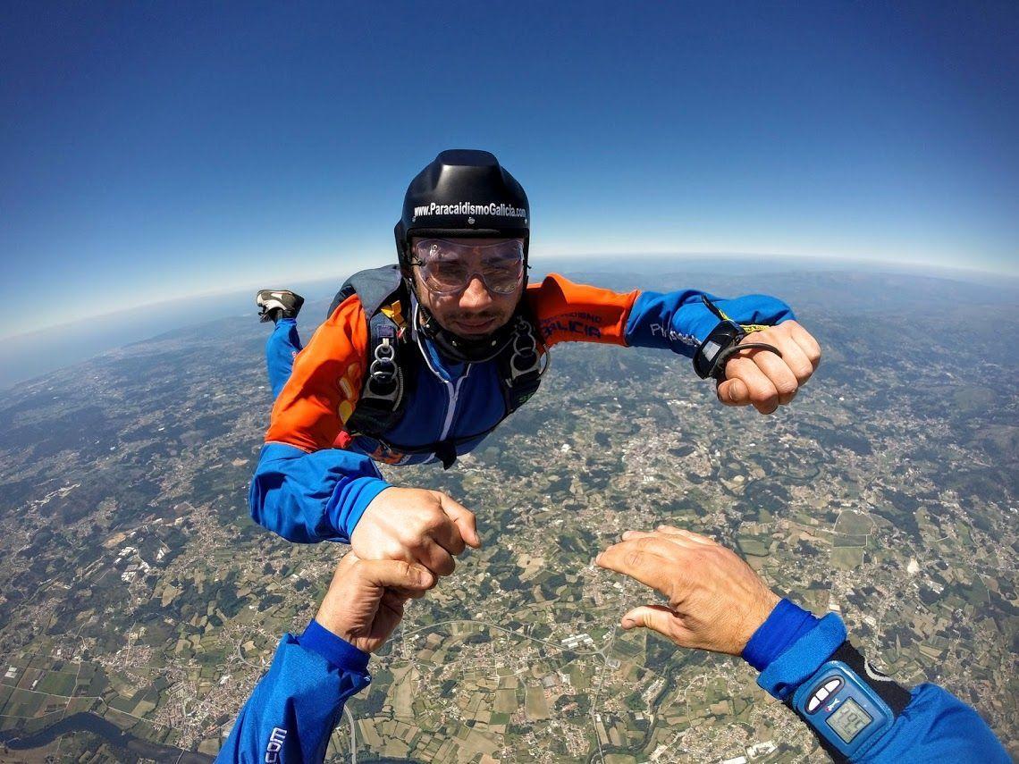 Lanzarse en paracaídas en Galicia